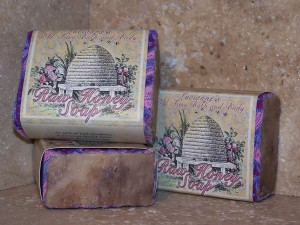 handmade-raw-honey-soap